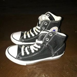 Kids converts high top shoes